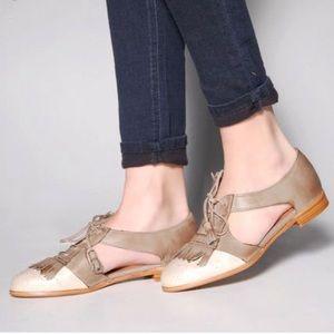 Jeffrey Campbell Kelly Tan Oxford flats shoes